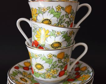 Retro teacup and saucer set of 4 flower power