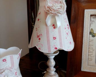 Small painted and weathered with shade table lamp has flange