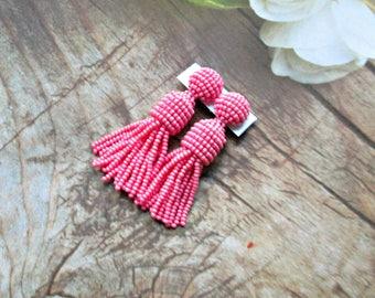 Coral color/beaded tassel/Short-tassel/handmade/oscar de la renta/clip on earrings/beading dangle earring/Earrings with sterling SILVER stud