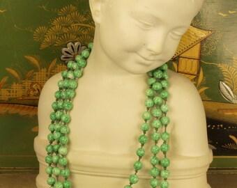Vintage Art Deco Peking glass flapper bead necklace