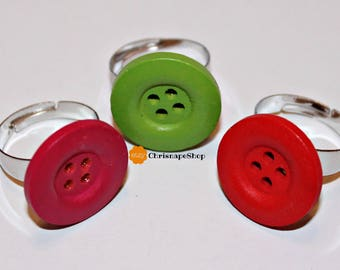 Colored wooden rings (3 different pieces)