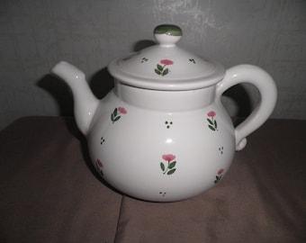 Vintage Teapot Sewing Kit