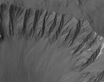 Gasa Crater Gullies