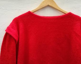 Vintage Red JUMPER//vintage clothing/gift for women/red/medium size/90s/80s/knitwear/vintage knit/winter