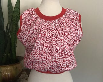 1970's Red & White  flowers Crop Top small / meduim