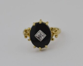 14k Yellow Gold Vintage Onyx & Diamond Ring Size 5.5