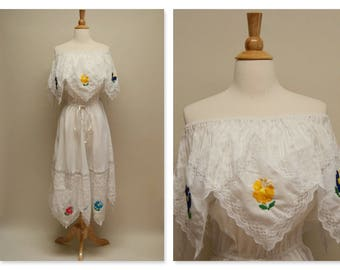 Vintage 70's Embroidered Mexican Dress ⎮ Boho Handkerchief Dress ⎮ Wedding Dress ⎮ White Midi Ethnic Cotton Dress