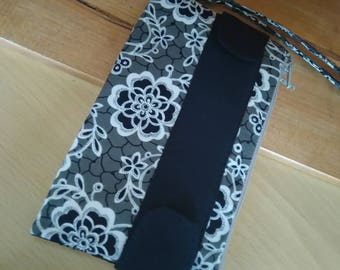 black flowers purse wristlet