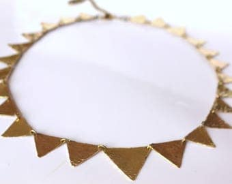necklace, necklace short, hammered brass, triangles, geometric design