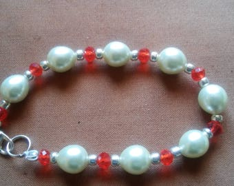 Pearls and Red Crystals Beaded Bracelet
