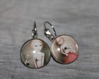 Small heart - Stud Earrings in silver tone metal.