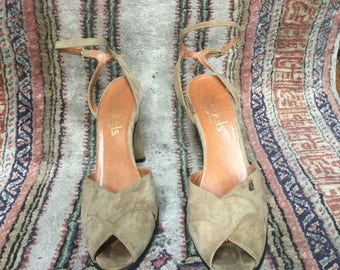 Perfect summer italian heeled suede sandals, sz 7