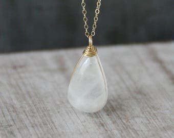 moonstone necklace, moonstone pendant, moonstone gold filled, gold filled necklace, gift for her, gift ideas,dainty necklace, tiny moonstone