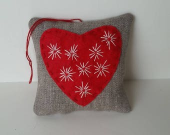Red heart sachet - Organic lavender aromatherapy - Lavender herbal bag - Embroidered linen sachet –Lavender home fragrance - Primitive décor