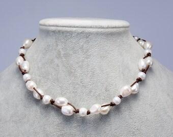 Leather pearl choker,Pearl necklace choker,Leather pearl necklace,Pearl choker necklace,Wedding gift,Bridesmaid choker,white pearl choker