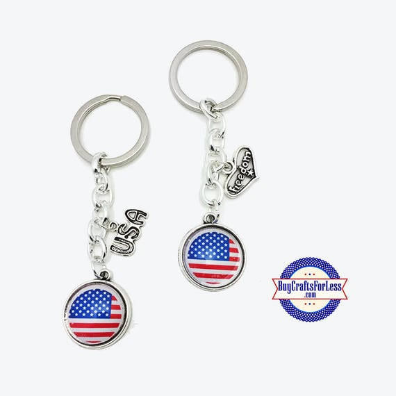 PATRiOTiC, July 4th, USA Flag KEY RiNG +FREE SHiPPiNG & Discounts*