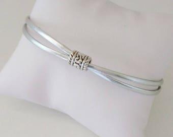 Cross Center chic shiny silver leather bracelet