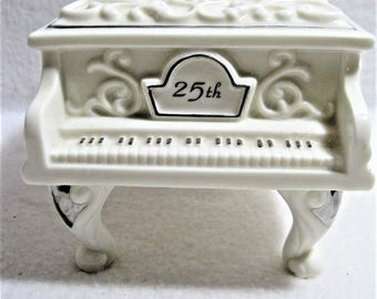 Enesco Symphony 25th Anniversary - Porcelain Wind Up Piano Music Box