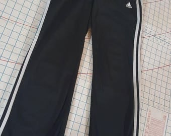 Girls Adias's pants size large/ women Adias's pants size XS/white stripe black adias pants/sports pants/Vintage adias pants/