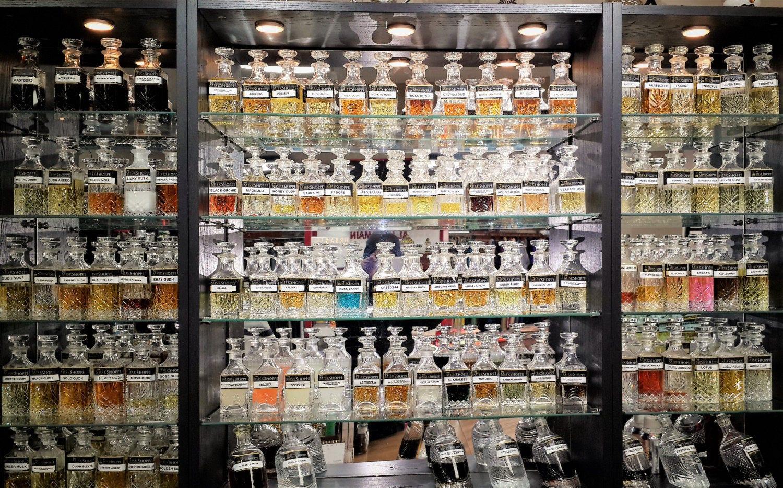 Kastoori Kasturi Deer Musk Black Concentrated Perfume Oil Attar Fragrance