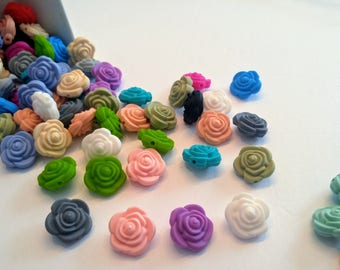 lots of silicone flower beads / 17mm