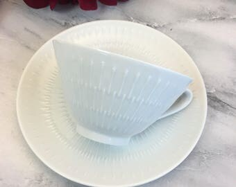 Hutschenreuther Lorenze Apart Teacup and Saucer Set(s) Made in Germany Ivory Atomic Mid Century Modern Fine Bone China