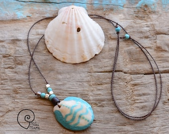 Surf style shell handpainted ethnic wavy symbol necklace