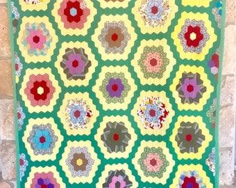 Vintage Grandma's Flower Garden Quilt Hand-Stitched Green 1950's 1960's Hexies Excellent Condition
