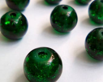 22 8mm Green Crackle glass beads