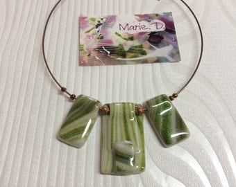 Pendant glass fusing 2 green and white
