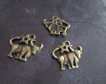 a sign of Zodiac Taurus metal bronze charm 20 x 20 mm