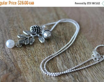 ON SALE SAVE 20% Dainty botanical necklace, Acorn necklace silver, Dainty botanical pendant, Jewelry ideas wife, Dainty girl necklace, Simpl