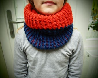 Snood blue and red hot