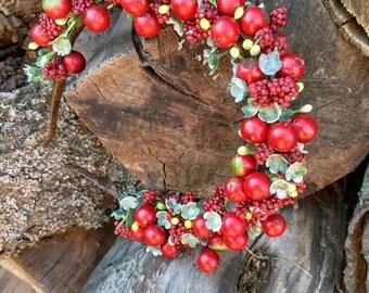 headband, tiara berry, berry hair, wrap hair from berries, red berries, red headband.