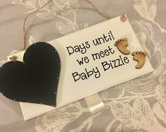 Baby countdown personalised handmade wooden plaque. Any colours. Comes ready to use with chalk. Perfect for baby shower gift or pregnant