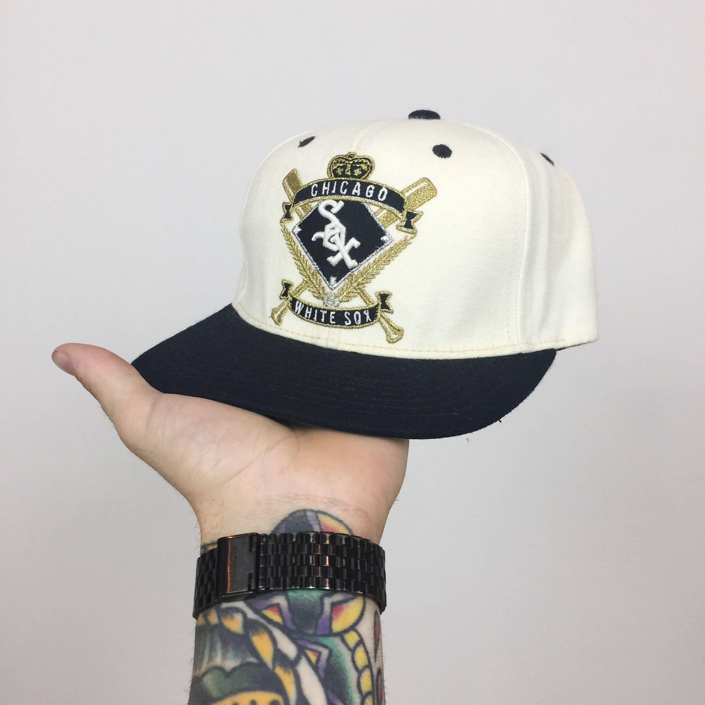 e7e1cf5e42f ... germany vintage 90s mlb chicago white sox american needle gold print  baseball snapback hat e9aed eed92 ...