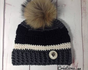Black and grey hat whit real fur pompon remvable, hand made button