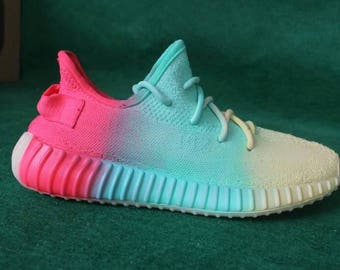 Painted Adidas Yeezy,Yeezy Boost,Yeezy 350, Adidas Boost,Boost Shoes,Adidas, Rainbow,Sprayed Sneakers,Men's Customized Trainers