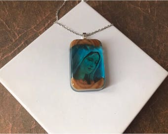 Pendant , rectangle resin , mary design