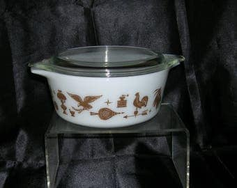 Vintage PYREX Early American 1 1/2 Pint Casserole # 472 with Lid # 11-470-C