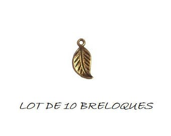 Set of 10 leaf charms corrugated bronze (S16)