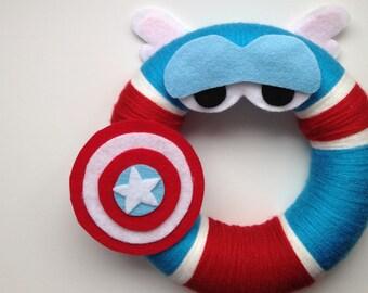 Captain America yarn wreath, Wall Decor, Door Wreath, Felt Decoration, Bedroom Decor