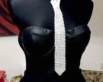 Womans Pearl Tie ,  White Pearl Tie Necklace , Wedding Tie, Bridal Tie ,