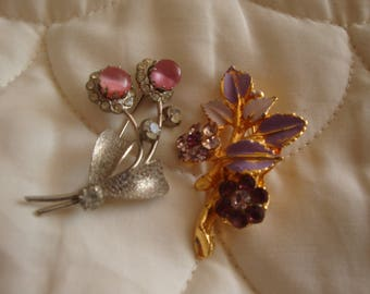 Two pretty Broaches vintage