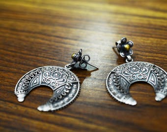 Gorgeous Half moon Earring 925 silver oxidised