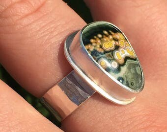 Green Ocean Jasper Thick Hammered Band Ring (size 8.5/9)