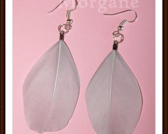 Grey round feather earrings