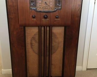 "1938 RCA Victor 810-K1 ""Magic Voice"" Art Deco Console w/ Tuning Eye"