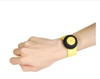 Wireless child leash-yellow