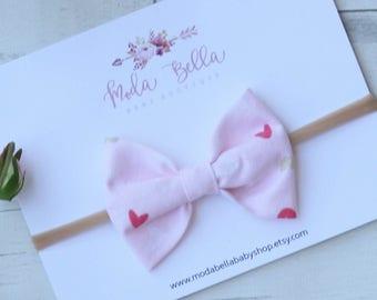 Pink Hearts Bow, Baby Headband, Baby Bows, Bows, Hair Bows, Hair Accessories, Newborn Headband, Infant Headbands, Baby Girl Headbands